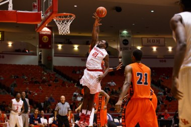 Redshirt junior guard Jherrod Stiggers rounded out the high scores of the Cougars with 11 points in Saturday's win. | Justin Tijerina/The Cougar