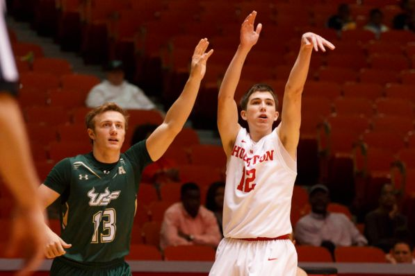 Freshman guard Wes Van Beck came off the bench to put up four 3-pointers for 12 points in Sunday's win.   Justin Tijerina/The Cougar