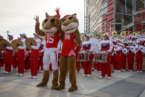 Students, alumni and fans came out in full force for the Cougars return to TDECU Stadium, with tail-gating taking center stage along Cullen Boulevard.   Justin Tijerina/The Cougar
