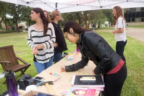 UH students express their feelings toward Malala and women's right to educate theirselves. | Photo by Jessica Cruz