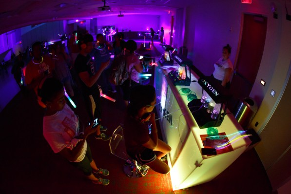 Students enjoy the oxygen bar at the Silent Disco. | Photo by Justin Tijiera/The Cougar.