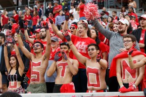 Students and alumni showed up to support their Cougars for Homecoming with a total attendance of 32,889.