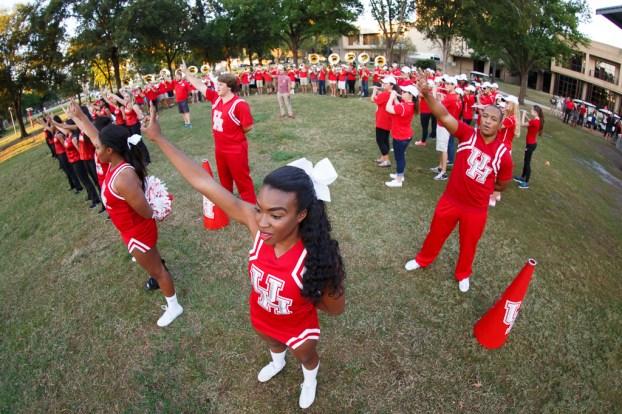 UH cheerleaders at Lynn Eusan Park.