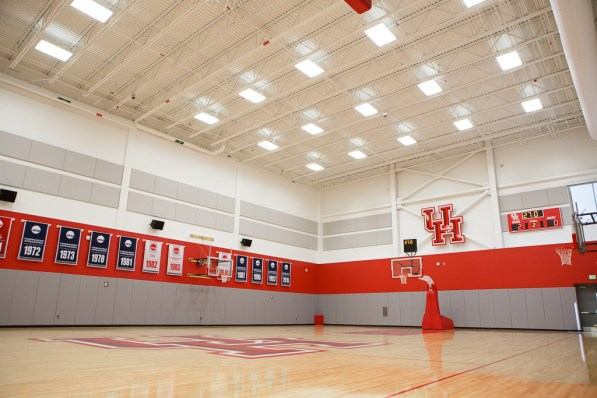 Both the men's and women's teams have their own courts, with players have 24-hour access. | Justin Tijerina/The Cougar