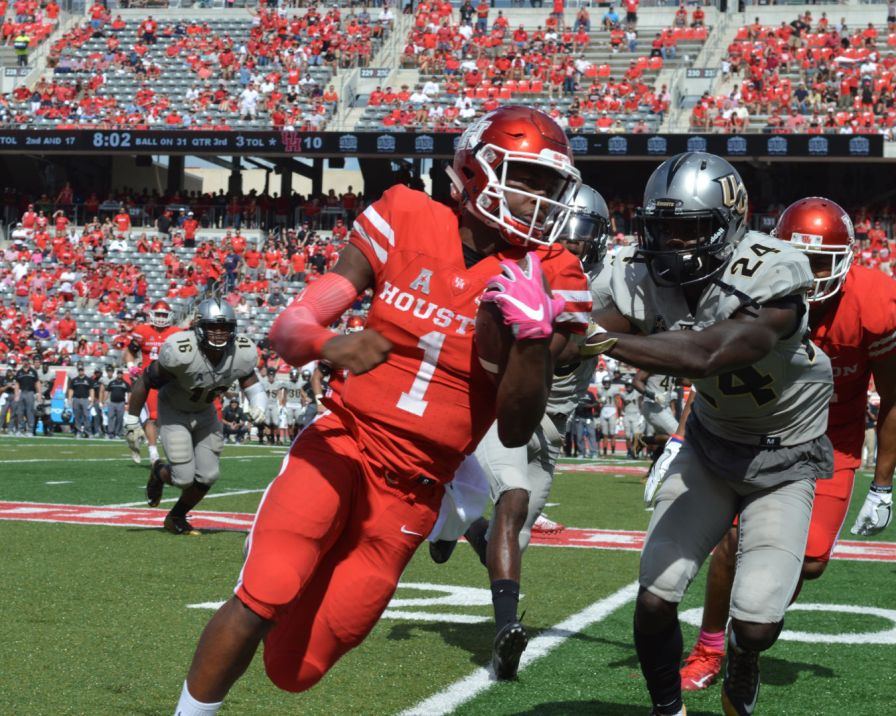 The comeback marks the third-largest come-from-behind victory in UH football history.   Ajani Stewart/The Cougar