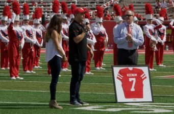 At halftime, UH Athletics honored Case Keenum and David Klingler by retiring the No. 7 jersey that they wore.   Ajani Stewart/The Cougar