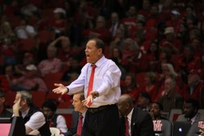 Head coach Kelvin Sampson said that this senior class is dear to him because they signed for Houston at a time when the program was not that great.   Thomas Dwyer/The Daily Cougar