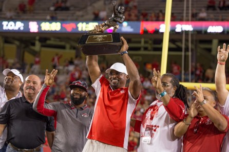 Heisman Trophy winner Andre Ware and the 1989 Cougars were honored in 2019 during halftime against SMU. | Trevor Nolley/The Cougar
