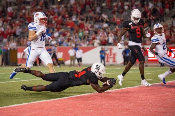 Senior running Back Mulbah Car recorded 136 yards in Houston's loss. | Trevor Nolley/The Cougar