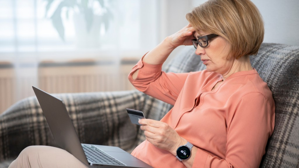 Common elderly financial scams