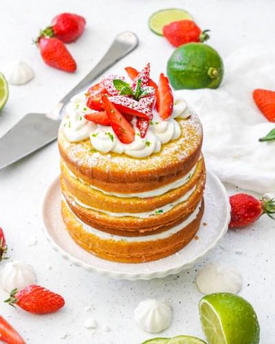 Recette gâteau layer cake facile et healthy au yaourt , fraises et citron