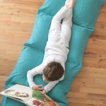 Make a kid's pillow bed the cheap & easy way!