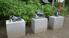 These are the statues of Ox, Tiger and rabbit, or hare.