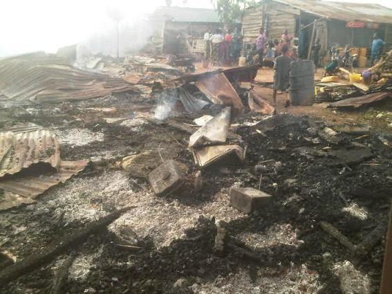 Fire Guts Mammy Market at Abacha Barracks in Abuja 3