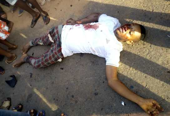 BREAKING: One dies in ghastly motor accident in Anambra [Pictures] 1