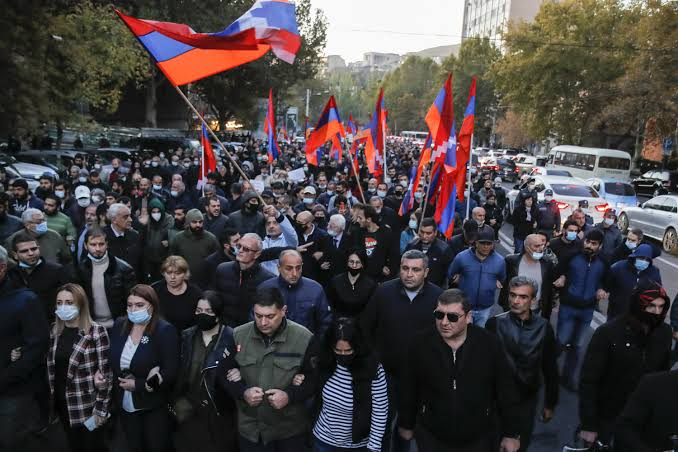 Thousands protest in Armenia, demands PM's resignation 3