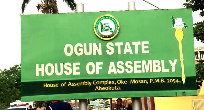 Police detain Ogun Deputy Speaker for gross misconduct, 20 Lawmakers sign impeachment notice 3