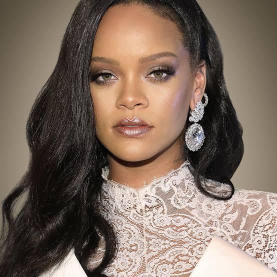 Rihanna, Celebrities condemn arrest of Lekki Protesters. 3