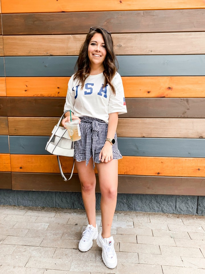 how to style summer shorts up and down 2