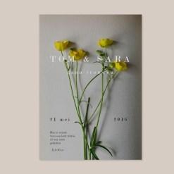 Trouwkaart gele bloemen boek