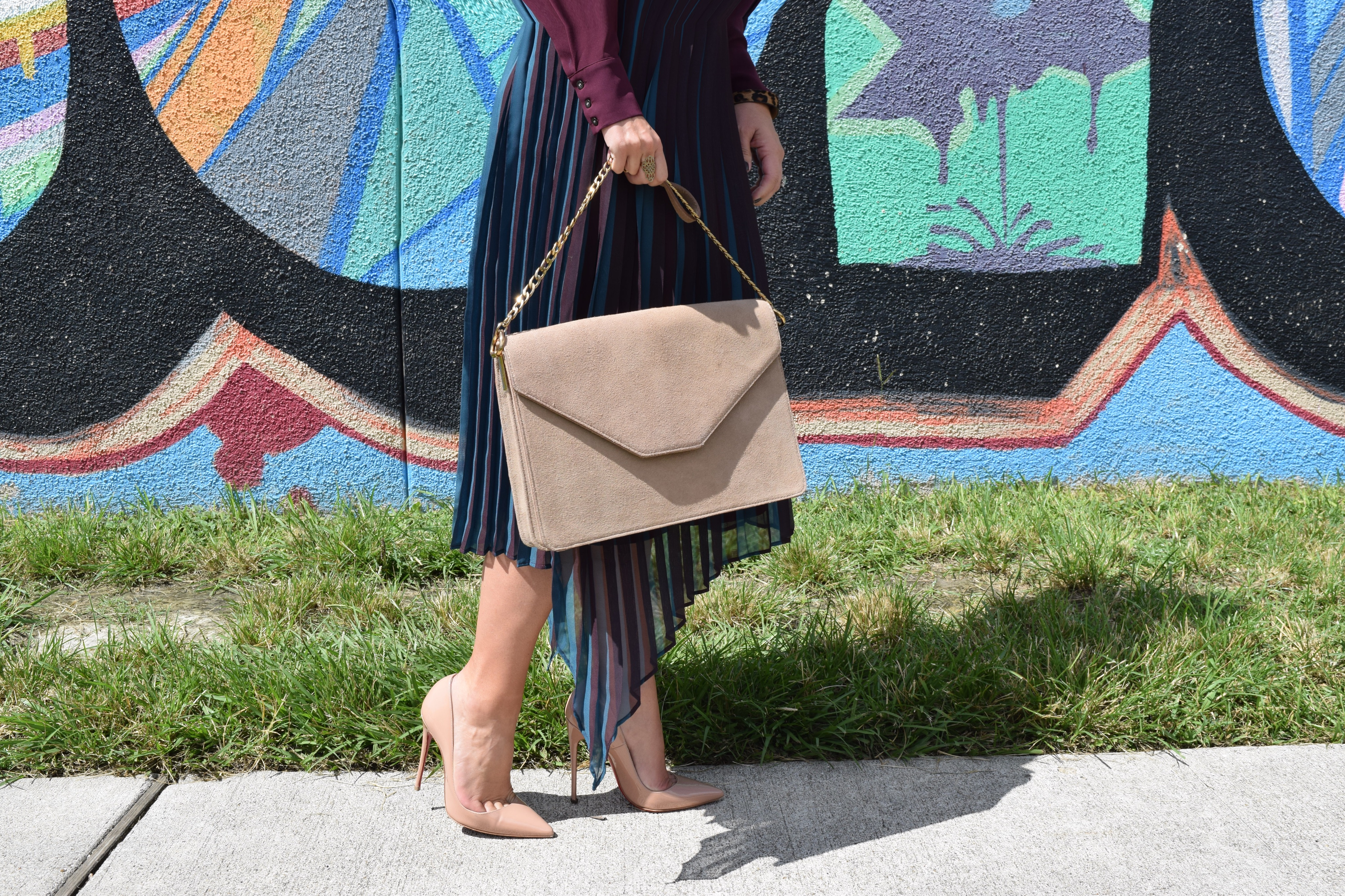 Style Tips for a pleated midi