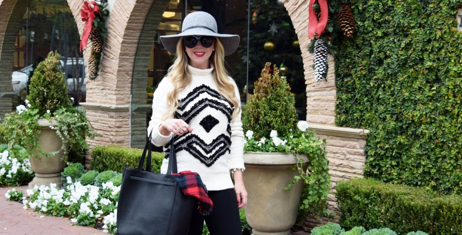 The Darling Petite Diva |Fringed Snowflake Sweater