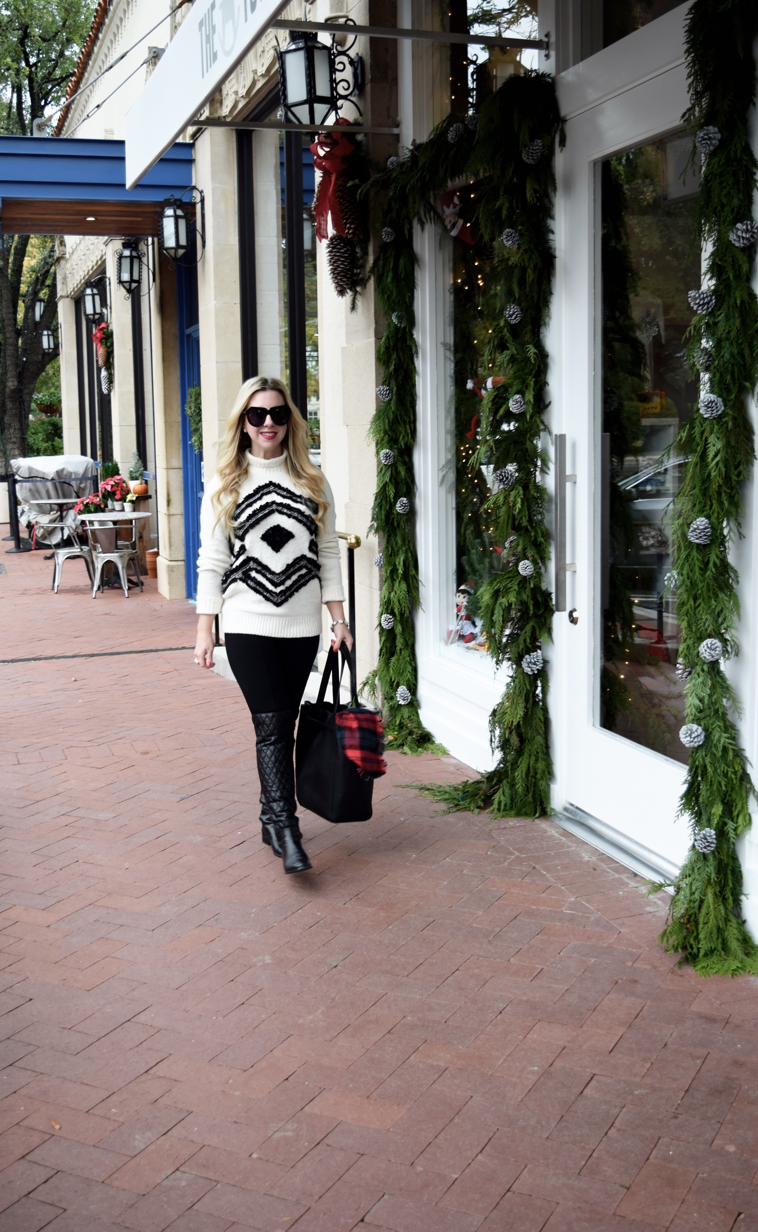 Dallas Blogger | Fringed Snowflake Sweater | Nicole Kirk