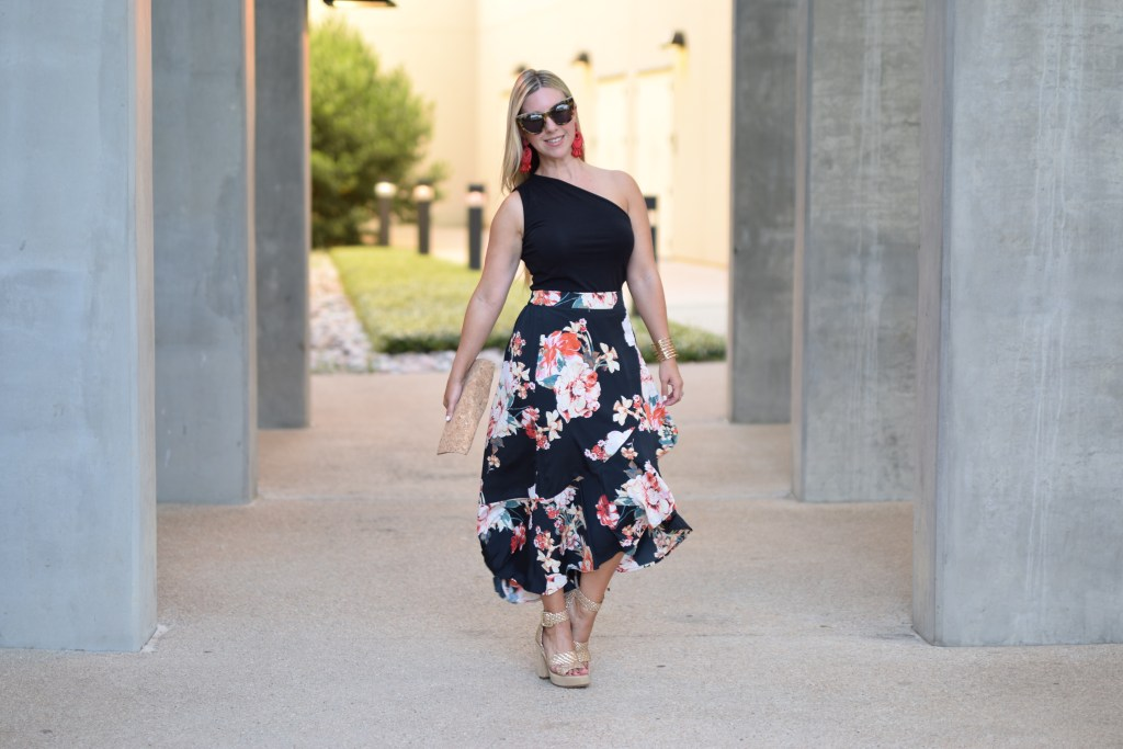 Floral Frills + This Weekend's Plans | The Darling Petite Diva