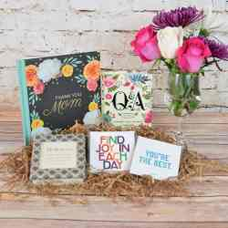 Mother's Day Gift Package: Gifts for Mom