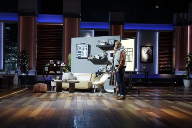 """Shark Tank"" judges harsh to printing app entrepreneurs, Flag"