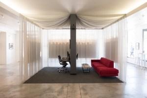 Neomodern consultation area