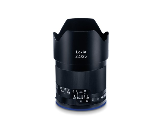 The New ZEISS Loxia 2.4/25 – Flexibility for Photography On-the-Go