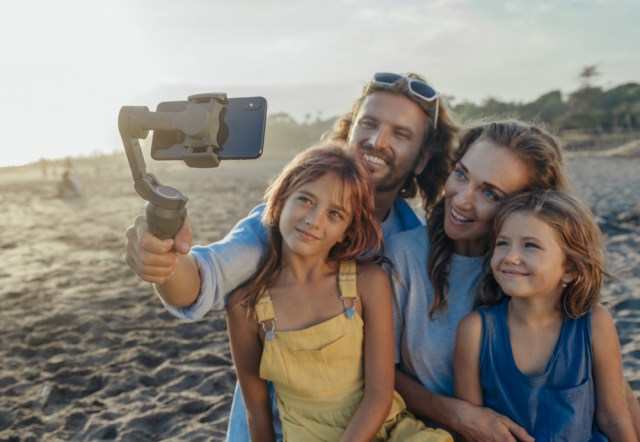 DJI announces Osmo Mobile 3 mobile foldable phone stabilizer