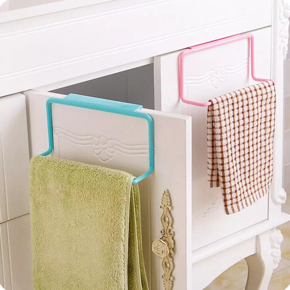 appendi asciugamani amazon in offerta su sfondo bianco