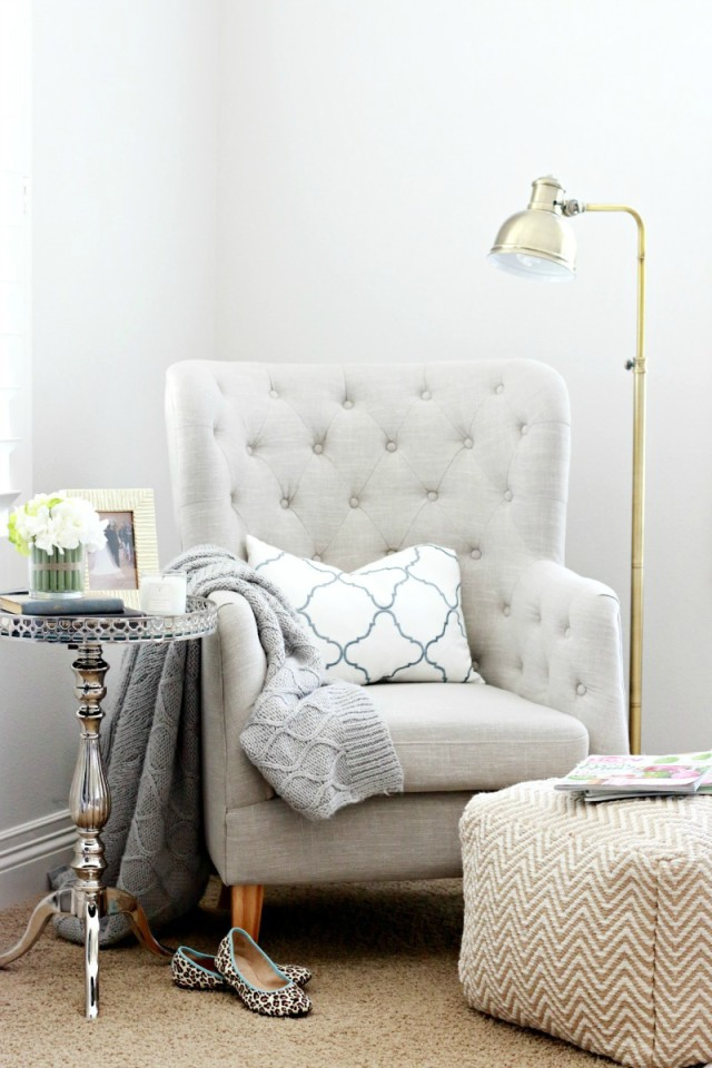 The power of swapping out throw pillows