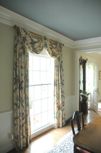 Does Dark Paint Make Your Ceiling Appear Lower  The Decorologist