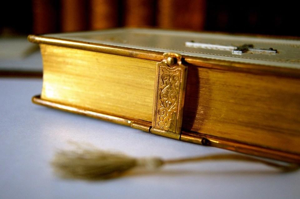Golden words of antiquity: 100 books challenge