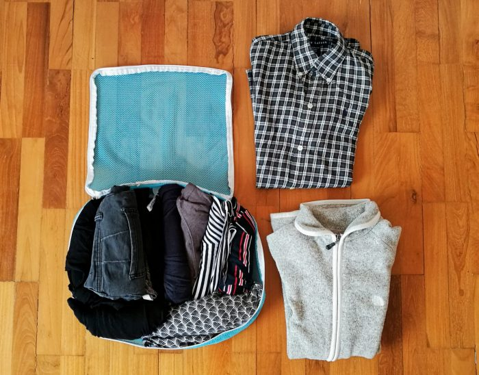 Minimalist packing list for women: Packing cubes come in handy