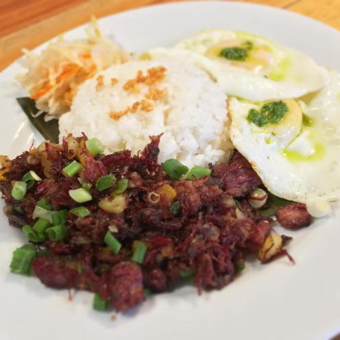 Silog with corned beef hash