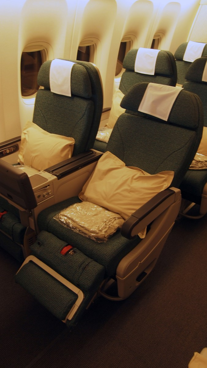 TRIP REPORT Cathay Pacific Premium Economy November 2013