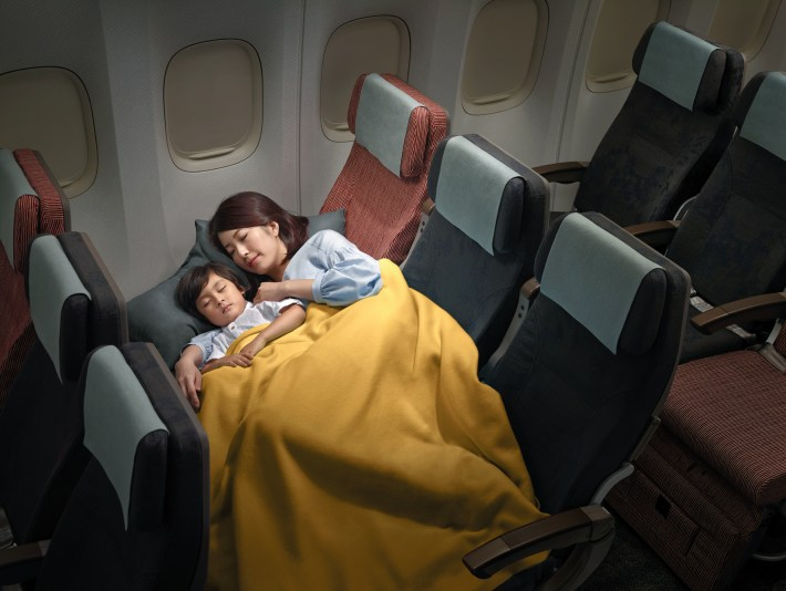 TRIP REPORT China Airlines 777300ER Economy Class