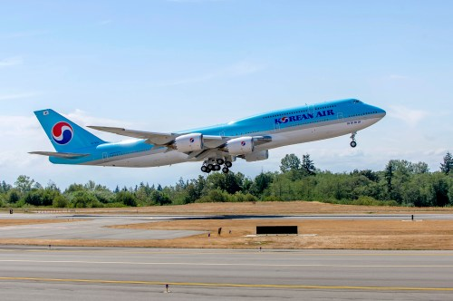 small resolution of korean air s new 747 8i offers new flagship seating
