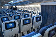 Azul-A330-economica-015