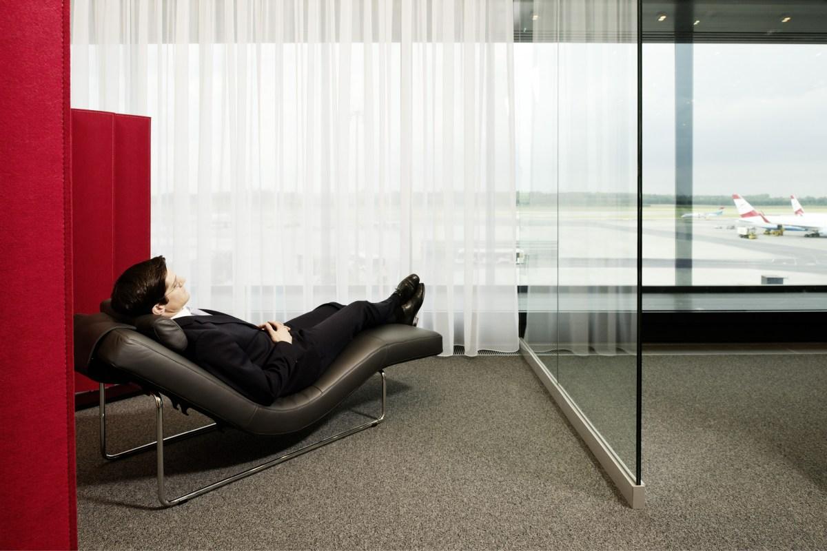 Austrian -opens Senator Lounge Of Five