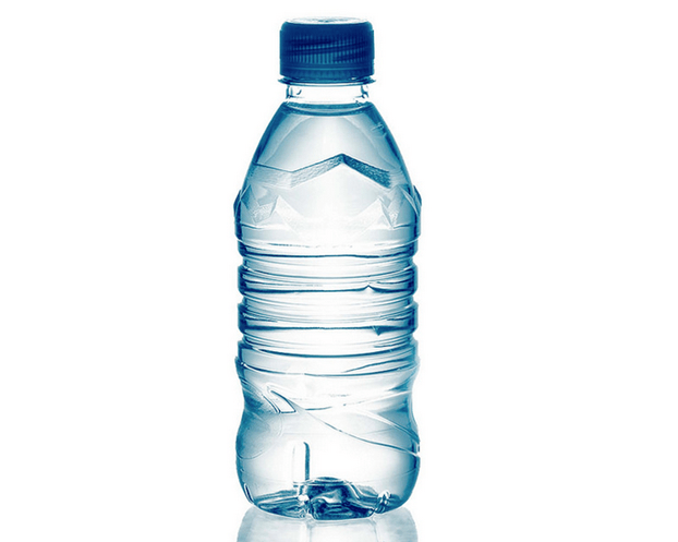 Mineral water crisp of bottle