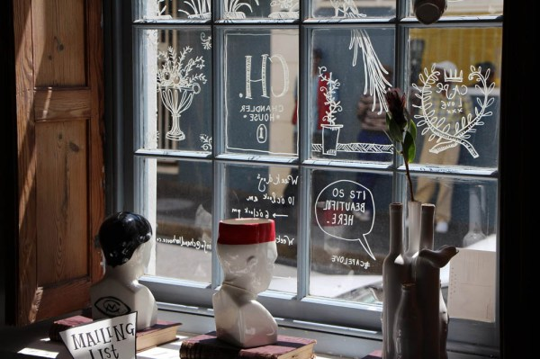 Love the scribbled window panes!