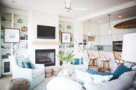 Chic Beach Bungalow designed by Ashley Gilbreath Interior Design | via http://chiccoastalliving.blogspot.com/2013/07/beach-house-bungalow.html?m=1