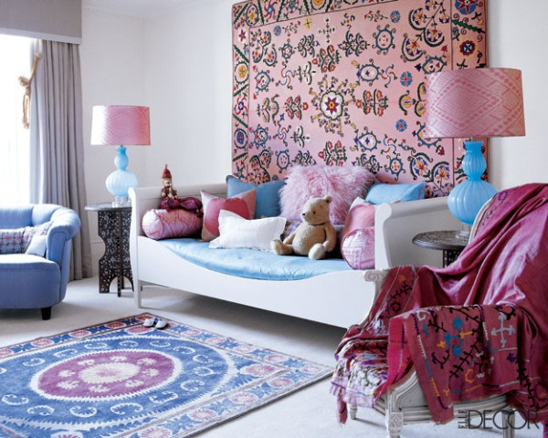 A girly bohemian room - adore the daybed concept | via http://www.peepmystyles.com/2011/10/tamara-mellonmartyn-lawrence-bullard.html