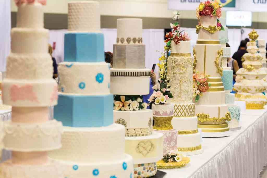Designer wedding cakes by some of the world's most celebrated pastry chefs provide plenty of photo ops for design aficiondaos and foodies. photo credit: The Americas Cake Fair