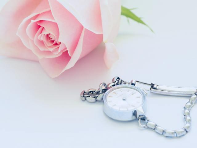 pink-rose-near-watch-1007024